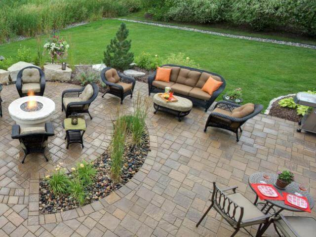 Brick Paver Cleaning Services in the Chicagoland and Illinois Area